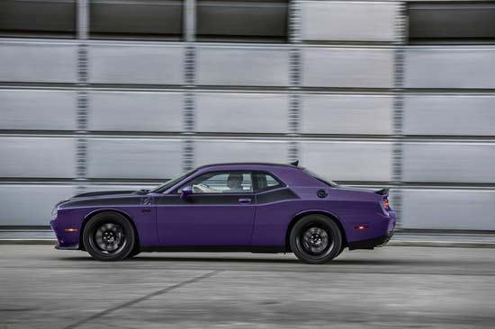 Dodge-Challenger-TA-2018