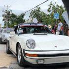 Inicia el gran desfile de autos clásicos en el Rally Maya en Cozumel, México