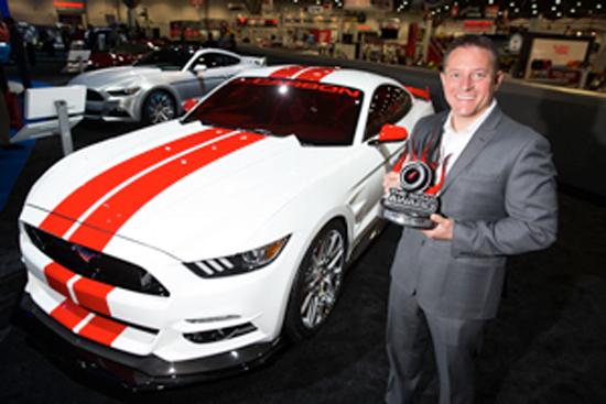 David Pericak, Mustang ingeniero jefe recibe el premio del coche más Hottest para el   Ford Mustang '15