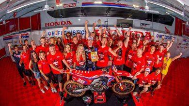 Photo of Tim Gajser gana el título del Campeonato Mundial  de Motocross FIM 2019 en la clase Premier MXGP
