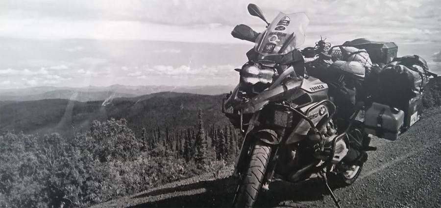 Photo of Presentan Dubanok Onoff y BMW Moments of Silence en Motorrad Motors.