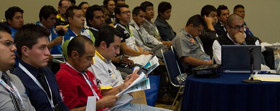 Photo of La capacitación de los mecánicos, actividad fundamental en ExpoINA 2015