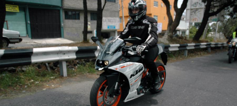 Photo of Proponen que conductores porten en casco el número de placa de su motocicleta