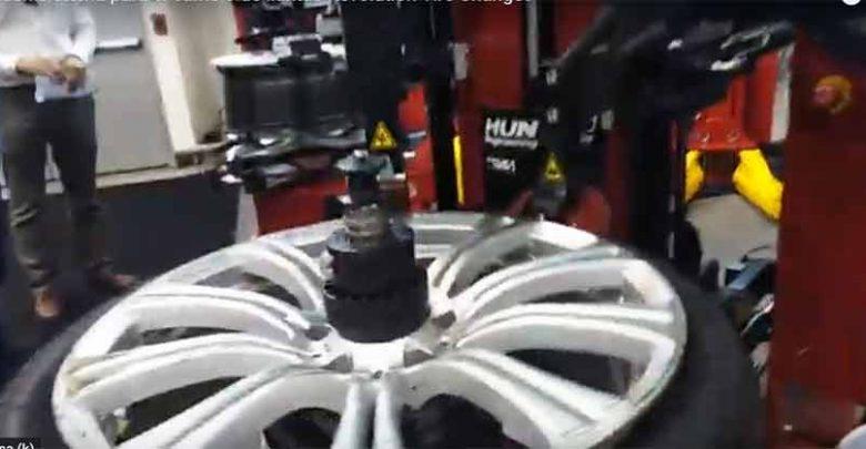 Revolution™ Tire Changer