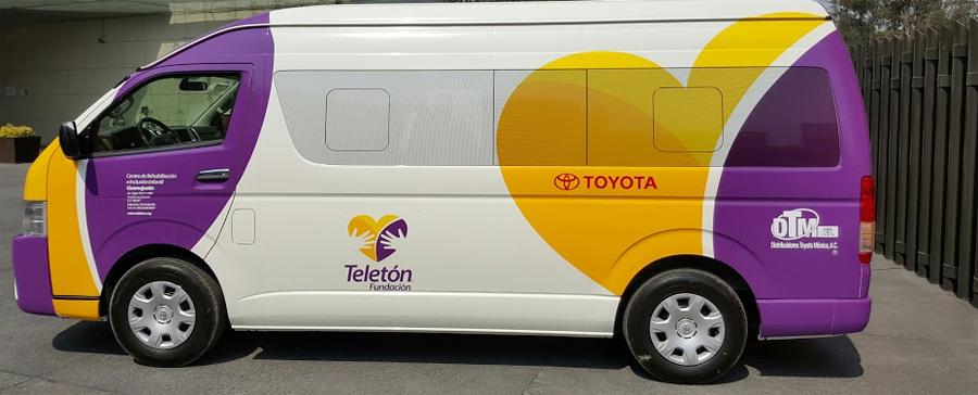 Photo of Entrega Toyota de México, camionetas Hiace y Hilux a Teletón