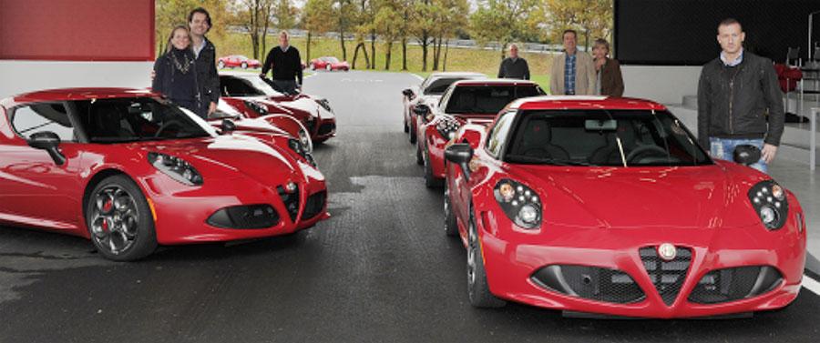 Photo of Los primeros 5 Alfa Romeo 4C 'Edición de Lanzamiento' entregados en Balocco