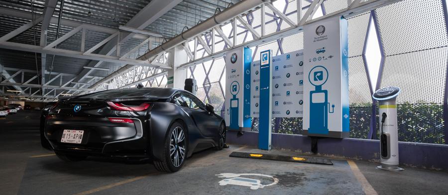 Photo of Instala BMW dos cargadores para vehículos electrificados en el Tec. de Monterrey