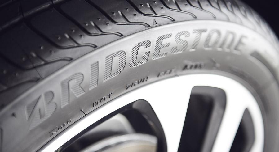 Photo of Refrenda Bridgestone su compromiso con la industria llantera en Expo Congreso Andellac 2017