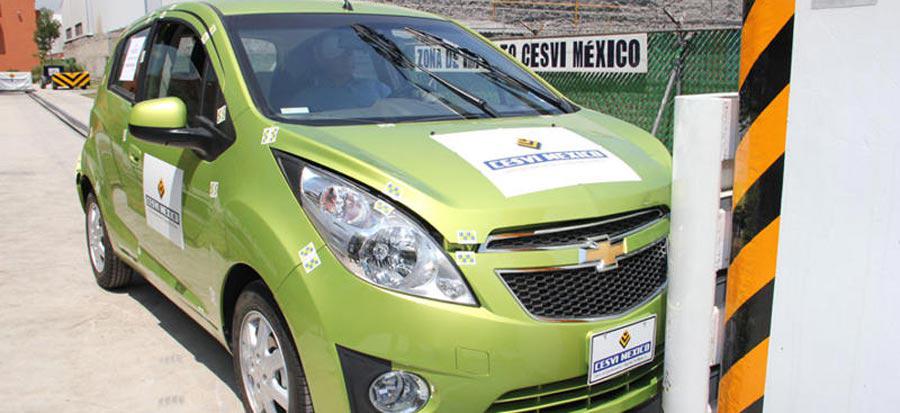 """Photo of CESVI MÉXICO realizará doce """"crash test"""" de unidades automotrices durante el 2012"""