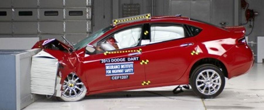 Photo of El Totalmente nuevo Dodge Dart obtiene la calificación más alta, denominada Top Safety Pick por el IIHS.