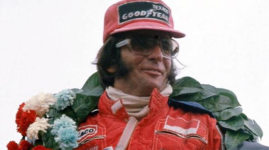 Photo of Emerson Fittipaldi, gran piloto Brasileño de  F1 en Indianápolis  en México