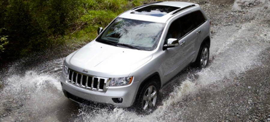 """Photo of Chrysler 300 y Jeep Grand Cherokee Ganan el Premio """"Al Mejor Vehículo en su Clase en Satisfacción al Cliente  2012"""" otorgado por AutoPacific"""