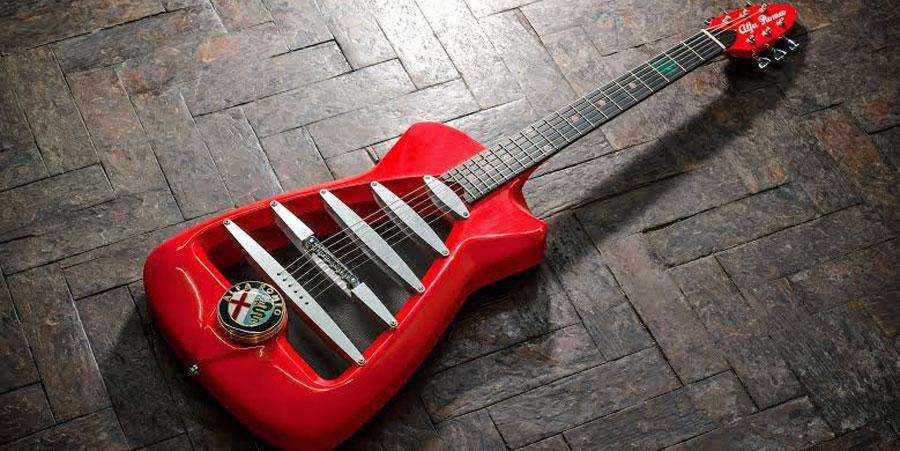Photo of Presenta Harrison Custom Guitar Works, la guitarra Alfa Romeo