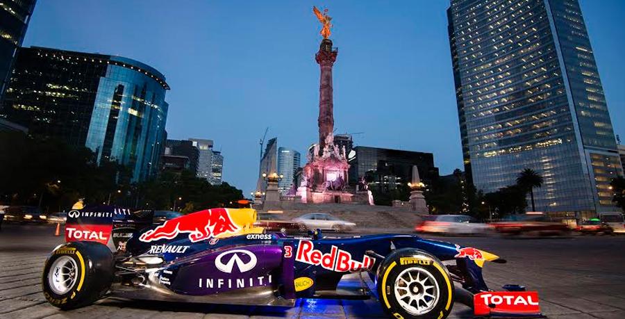 Photo of Una presentación especial en el Ángel de la Independencia