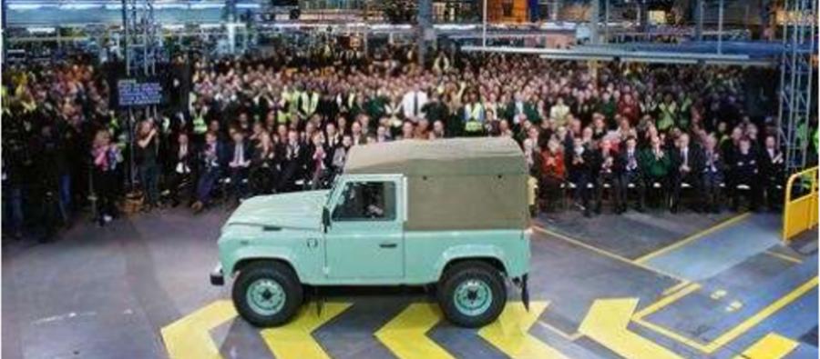 Photo of Celebrando la Leyenda: La última unidad de Land Rover Defender se fabrica en Sholihull