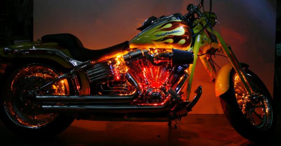 Photo of CYRON motocicleta, Kit Platinium de iluminación de acento MLKP7CZ-Color con el controlador RC3A-12