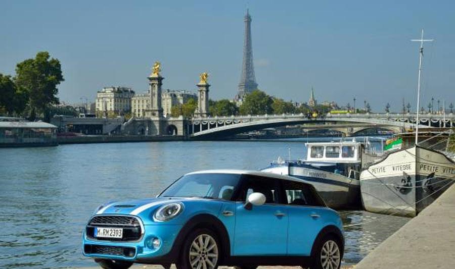 Photo of Presente MINI en el Salón Mundial del Automóvil de París de 2014