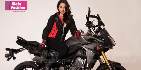 Photo of Dos expectaculares bellezas en Expo Moto