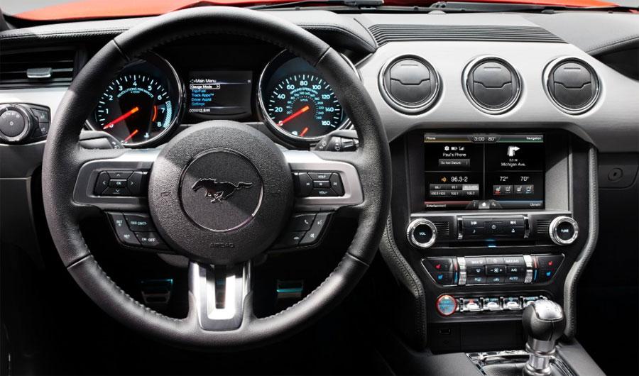 Photo of Incluso la música suena mejor en el Mustang Ford 2015