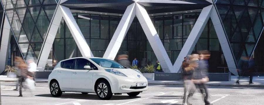 Photo of Se unen Nissan y Norman Foster  para diseñar la gasolinera del futuro en Europa