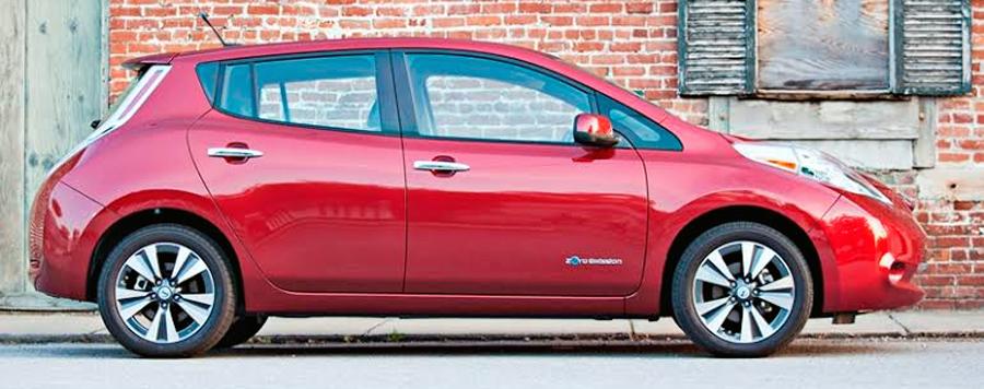 """Photo of Nissan LEAF, el único vehículo eléctrico en recibir el premio """"Lealtad Automotriz 2014"""""""
