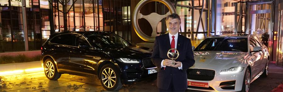 Photo of El Jaguar XF gana el premio Golden Steering Wheel para el mejor sedán