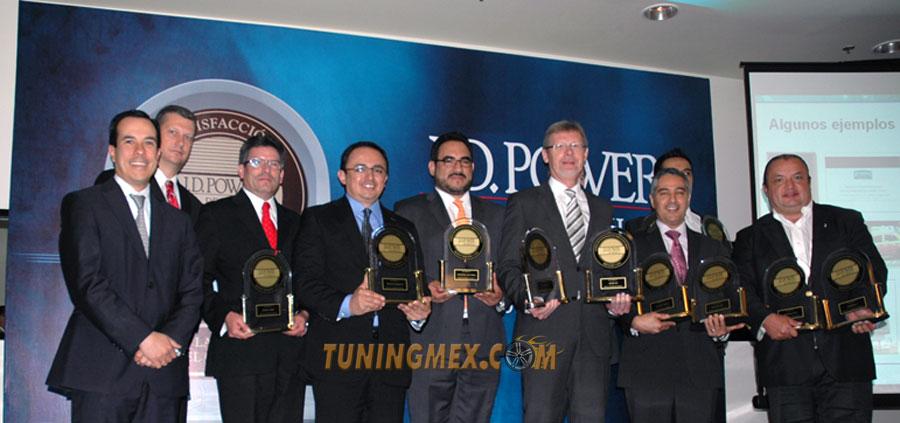 Photo of Entregan reconocimiento a lo más vendido de la industria automotriz según estudio JD Power México