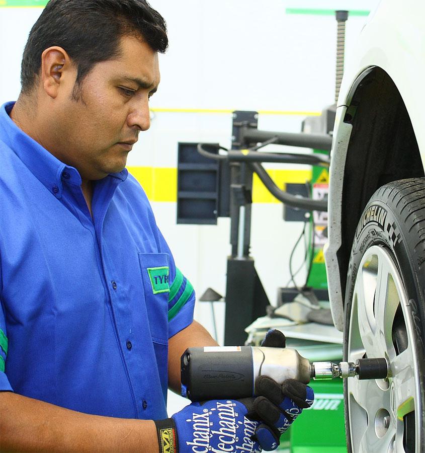 Photo of Michelin refleja su compromiso de expansión de TYREPLUS en el mercado mexicano abriendo su tienda matriz en el Estado de México
